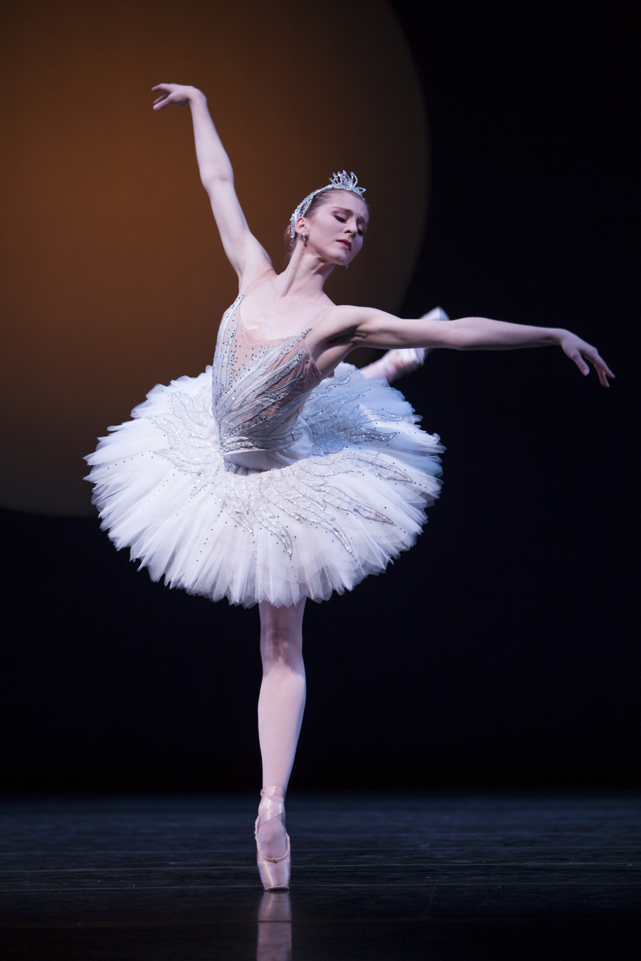 Pacific Northwest Ballet principal dancer Carla Körbes in Kent Stowell's Swan Lake (Photo © Angela Sterling)