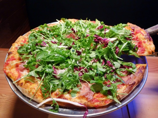 "14"" thin-crust pie with prosciutto and arugula"