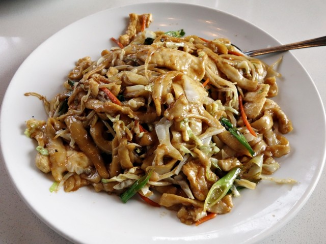 Chow mein with hand-shaven noodles