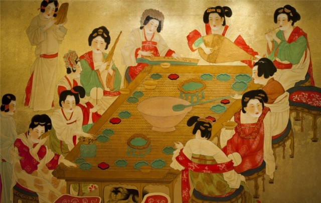 Wall mural in the restaurant dining room (photo courtesy of Hilton Xi'an)