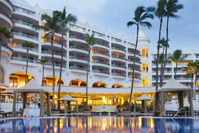 View of the Fairmont's Ko restaurant from the pool (photo courtesy of the Fairmont Kea Lani)