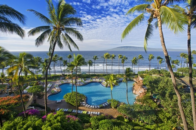 The big pool at the Hyatt (photo courtesy of the Hyatt Regency Maui Resort and Spa)