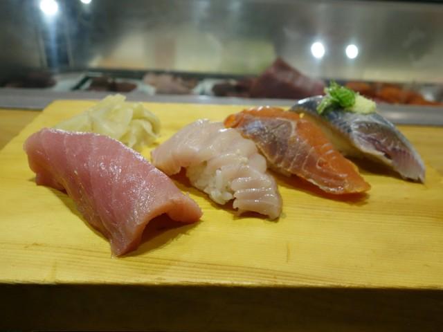 Tojo's sushi